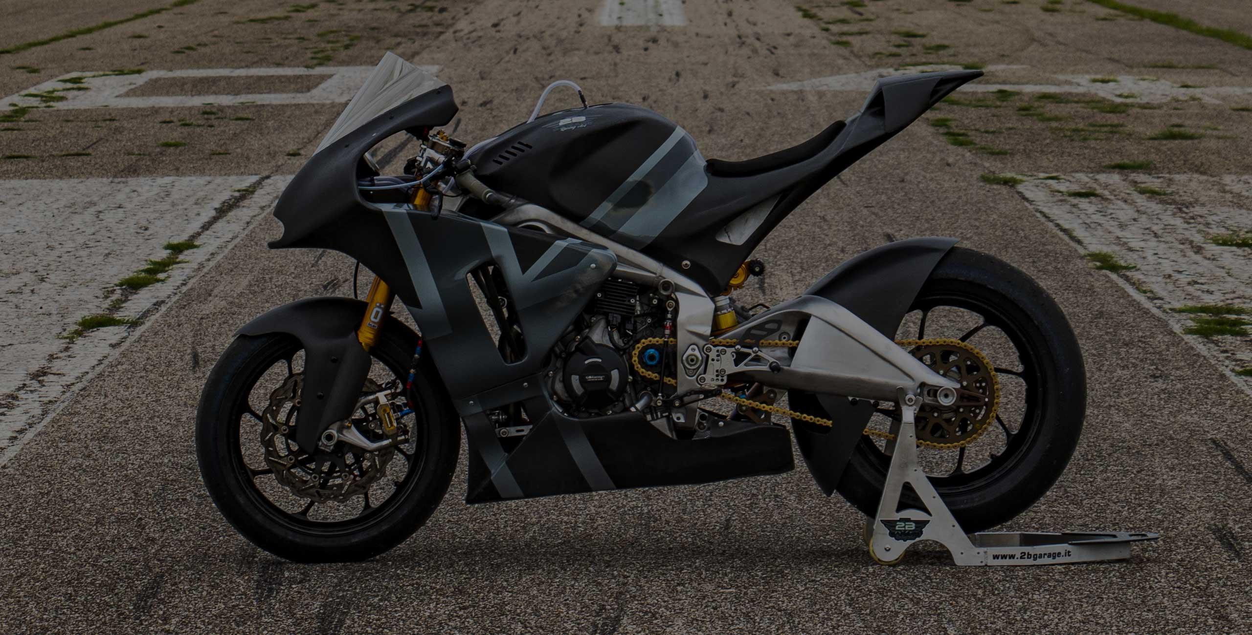 2B-Garage-Triumph-765-motor-prototype-moto-2